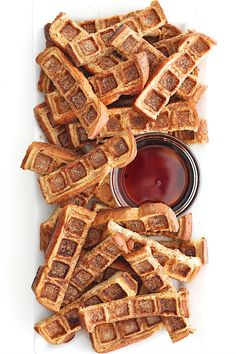 Two breakfast classics come together in these easy to make and fun to eat French Toast Waffle Sticks. No forks needed! Waffle Stick Pan Recipe, Waffle Pan, Waffle Sticks, Waffle Iron Recipes, Sandwich Maker Recipes, Breakfast Sandwich Maker, French Toast Waffles, Crepes And Waffles, Pancakes