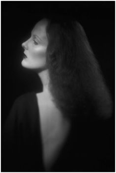 Check Out these Gorgeous Never-Before-Seen Photos of Grace Coddington by Ex-Husband Willie Christie
