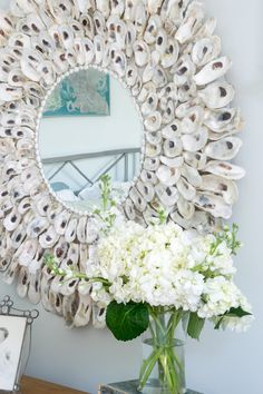 This DIY Oyster Shell Wreath is so easy to make and adds instant charm to your home decor. Not only perfect for coastal decor, but suitable for other decor styles as well. Seashell Art, Seashell Crafts, Handmade Home Decor, Diy Home Decor, Decor Room, Decor Crafts, Diy Crafts, Oyster Shell Crafts, Oyster Shells