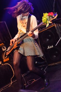 Women of Rock Female Guitarist, Female Singers, Paz Lenchantin, Rock Music Artists, Rock Band Photos, Women Of Rock, Guitar Girl, Rock And Roll, Girls