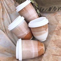 To Go Coffee Cups, Take Away Coffee Cup, Coffee Cup Art, Coffee Cup Design, Ceramic Coffee Cups, Coffee Shop Interior Design, Cafe Design, Ceramic Clay, Ceramic Pottery