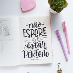Brush Lettering, Lettering Design, Hand Lettering, Lettering Tutorial, Brush Pen, Life Inspiration, Chalkboard, Typography, Journal