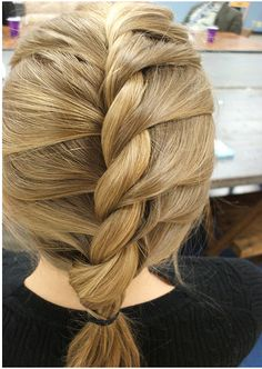I know how to do this from YouTube search French rope braid   Super cute!