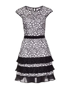 Floral Dresses, Women's Dresses, Dresses Online, Short Dresses, Girly Outfits, Classy Outfits, Dress Black, White Dress, Emma Style