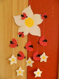 Enchanted Ideas: Childrens room decor - Buburuze, Gargirl and Fl . Decoration Creche, Class Decoration, School Decorations, Easter Crafts, Kids Crafts, Diy And Crafts, Arts And Crafts, Spring Crafts For Kids, Summer Crafts