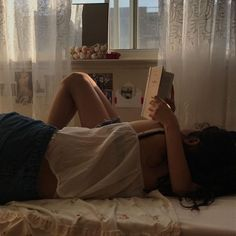 Image uploaded by kaya. Find images and videos about girl, couple and aesthetic on We Heart It - the app to get lost in what you love. Ernst Hemingway, You Are My Moon, The Love Club, Couple Aesthetic, Teenage Dream, Hopeless Romantic, Young Justice, Dream Life, Foto E Video