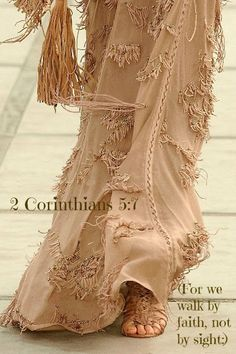 See all the Collection photos from Roberto Cavalli Spring/Summer 2011 Ready-To-Wear now on British Vogue Dali, Jean 3 16, Boho Fashion, High Fashion, Milan Fashion, Ladies Fashion, Bride Of Christ, Thing 1, Mode Boho