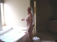 2 Much Pics - Free image hosting - Granny-on-the-WWW - image 2735