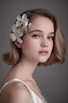 Beautiful simple style for short hair brides