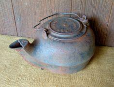 Cast Iron Kettle, Vintage Nashville P Iron Kettle, Rustic Primitive Farmhouse Western Decor 32.00