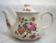 Vintage Teapots | Sadler Teapot | Heirloom Vintage Tableware
