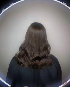 dark brown, glossy, shiny, healthy wavy hair. mid length Dark Brunette, Brunette Hair, Lvl Lashes, Keratin Complex, Hair And Beauty Salon, Best Brand, Wavy Hair, Mid Length, Brown Hair