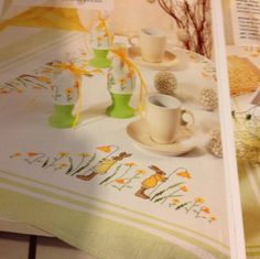 Easter Table Linens | ... Cross Stitch Book Rico Germany Easter Table Toppers Runners Bunnies