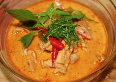 Thai Food Recipe .. You can do : Panang Gai (Thai Panang Chicken Curry) I'm going to try to make a light version of this bij changing the coconut milk into low fat coconut milk and change the rice with shritaki noodles