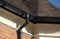 Alumasc Cast Heritage Moulded Guttering in Textured black.  Authentic looking, beautifully elegant and traditional.  Order today online at www.guttercentre.co.uk or give us a call on 0330 2231731