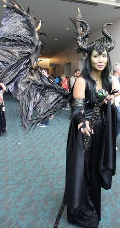 Pin for Later: The Absolute Best Cosplays From Comic-Con 2015 Maleficent Maleficent Cosplay, Disney Cosplay, Cosplay Outfits, Cosplay Costumes, Halloween Costumes, Cosplay Ideas, San Diego Comic Con, Disney Villains, Pop Culture