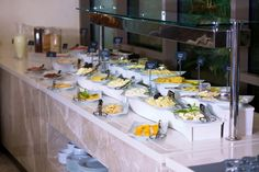BREAKFAST TİME.. Downtown Hotels, Breakfast Time, Places To Go, Table Settings, Place Settings, Tablescapes