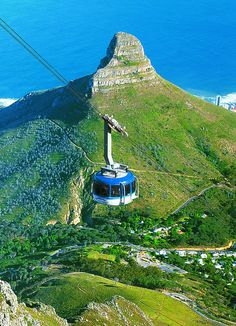 Lion's Head and cable car to Table Mountain, Cape Town, South Africa. You absolutely need to do this when in Cape Town. You can walk on top of Table Mountain for hours. Places Around The World, The Places Youll Go, Places To See, Around The Worlds, Monte Kilimanjaro, Paises Da Africa, Le Cap, Cape Town South Africa, Port Elizabeth