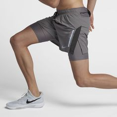 yoga clothes & running gear for men Sport Shorts, Mens Running Shorts, Mens Activewear, Chor, Sport Wear, Courses, Sport Fashion, Sport Outfits, Dame