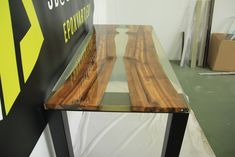 river table, epoxy resin,