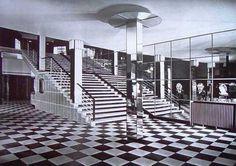 Lakóépület és mozi, az Atrium házépitő szövetkezet számára készült 1935-36-ban, Kozma Lajos (1884-1948) tervei alapján. Hosszas vá Art Deco, Art Nouveau, Bauhaus, Atrium House, Amsterdam, Budapest Hungary, Old Photos, To Go, Stairs