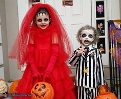 Pin for Later: Win Halloween With These 41 Sibling Costume Ideas Beetlejuice and Lydia Beetlejuice Halloween Costume, Matching Halloween Costumes, Halloween Costume Contest, Family Halloween Costumes, Halloween Kids, Costume Ideas, Kid Costumes, Horror Costumes For Kids, Halloween Makeup