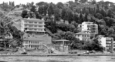 Bebek (~1960) Old Pictures, Old Photos, Istanbul Pictures, Urban Architecture, Ottoman Empire, Historical Pictures, Istanbul Turkey, Once Upon A Time, Black And White