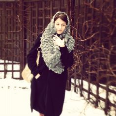 Yulia is wearing a beautiful Loopy Mango Cowl hand knit with Loopy Mango Bubble Yarn.  Warm enough for snowy Russian winter.  She looks absolutely gorgeous!