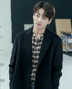 ° A story where Jimin is a fanboy of actor Jeon Jungkook.Jimin makes… # Novell # amreading # books # wattpad Jungkook Cute, Foto Jungkook, Jungkook Oppa, Bts Bangtan Boy, Jung Kook, Busan, Jikook, Foto Bts, Kpop