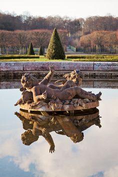 Versailles fountain.