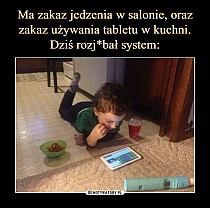 Food Isnt Allowed In The Living Room. ~ Memes curates only the best funny online content. The Ultimate cure to boredom with a daily fix of haha, hehe and jaja's. Funny Cute, Funny Kids, The Funny, Funny Kid Pictures, Super Funny, Funniest Pictures, Funny Work, Memes Humor, Funny Memes