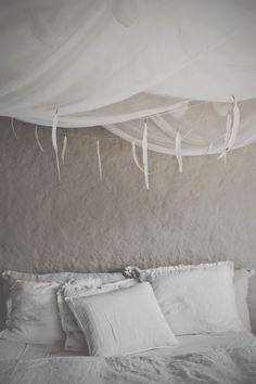 FEATHERS  STONES | for original  details ➸♡➸ honeypieLIVINGetc | © hannah lemholt photography
