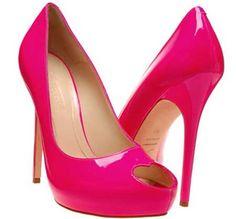 sapatos de salto rosa