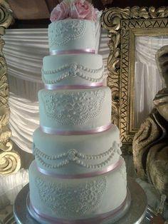 vintage+cameo+-+Cake+by+sasha