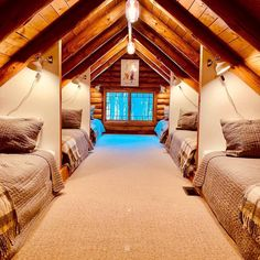 Summer camp, team building or pajama party? 😁😍 Tag your friends ✌🏻 Follo Bunk Rooms, Attic Bedrooms, Attic Bedroom Kids, Attic Loft, Haus Am See, A Frame House, Attic Remodel, Cabin Homes, Dream Rooms