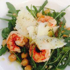 Pecorino, ceci, gamberoni e rucola #foodporn #food #recipe #seaside #restaurant #sea #seafood #