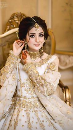 Black Bridal Dresses, Bridal Mehndi Dresses, Pakistani Bridal Makeup, Nikkah Dress, Pakistani Wedding Outfits, Pakistani Wedding Dresses, Fancy Dress Design, Bridal Dress Design, Stylish Dresses For Girls