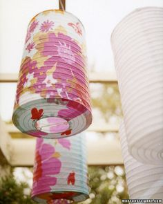 Pretty Paper Lanterns: With or without lights in them, paper lanterns give any room or outdoor space an instantly festive feel to a baby shower. Decorate with a few large lanterns or lots of small ones.