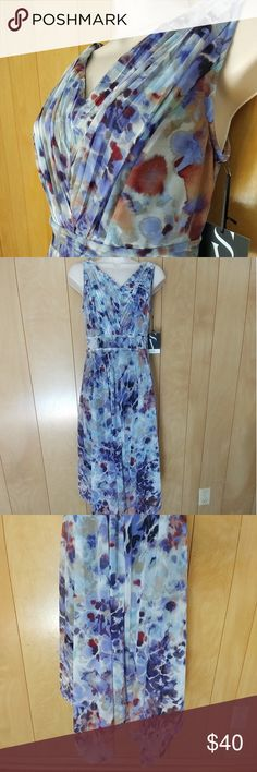 Vera Wang Modern Blooms Dress Brand new, with tags, Simply Vera Wang Modern Blooms dress. Almost ankle length. Slip on with stretch. Absolutely gorgeous! Simply Vera Vera Wang Dresses Asymmetrical