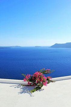 Simplicity in Oia - Santorini, Greece Beautiful Islands, Beautiful World, Dream Vacations, Vacation Spots, Wonderful Places, Beautiful Places, Beau Site, Greek Isles, Greece Travel