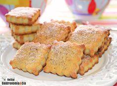 Galletas de almendras y queso crema Coconut Cookies, Yummy Cookies, Cupcake Cookies, Sugar Cookies, My Recipes, Sweet Recipes, Cookie Recipes, Favorite Recipes, No Bake Brownies