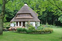 Near Amiens. Check out this awesome listing on Airbnb: CHAUMIERE DE CHARME POUR SE METTRE - Houses for Rent in Morisel