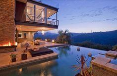 Einsichten ins neue Haus von Justin Bieber in Hollywood Hills Indoor Outdoor, Outdoor Living, Outdoor Pool, Outdoor Fire, Backyard Patio, Hollywood Hills Homes, Hollywood Life, Haus Am See, Beverly Hills Houses