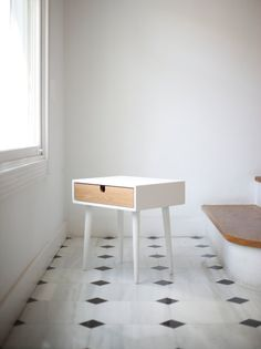 White nightstand / Bedside Table, Scandinavian Mid-Century Modern Retro Style with 1 or 2 drawers made of oak wood on Etsy, 275,00 €