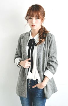 fall/winter business casual outfit. white blouse with bow and sweater blazer and jeans