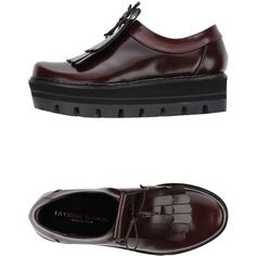 La Corde Blanche Moccasins ($180) ❤ liked on Polyvore featuring shoes, loafers, maroon, round toe shoes, fringe moccasins, maroon shoes, leather wedge shoes und leather shoes