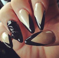 Stiletto Nails, nude & black