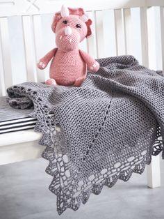 HÆKLET BABYTÆPPE - LYNGHOLM BABYSVØB 2 Baby Knitting Patterns, Crochet Patterns, Crochet Baby, Free Crochet, Home Crafts, Diy And Crafts, Baby Barn, Knitted Shawls, Diy Baby