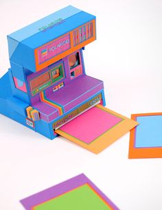 """Zim & Zou, """"Back to basics"""", Polaroid - esculturas de papel"""