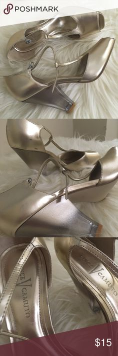Vince Camuto gold metallic heels peep toe strap 6 🤩🤩SUPER SHINY and PRETTY 🤩🤩Metallic gold open toe t strap with chunky plastic ombré heels!!! 🥂🥂AUTHENTIC VINCE CAMUTO🥂🥂 these have been pre loved they are in fair condition I included up close photos of all the scuffs and marks I could see there are a few but they really are not super noticeable at all!!! Vince Camuto Shoes Heels